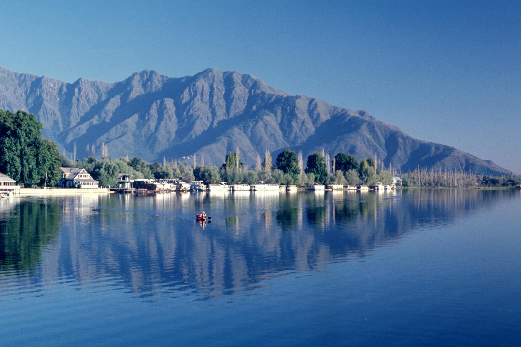 Image result for dal lake in jammu and kashmir